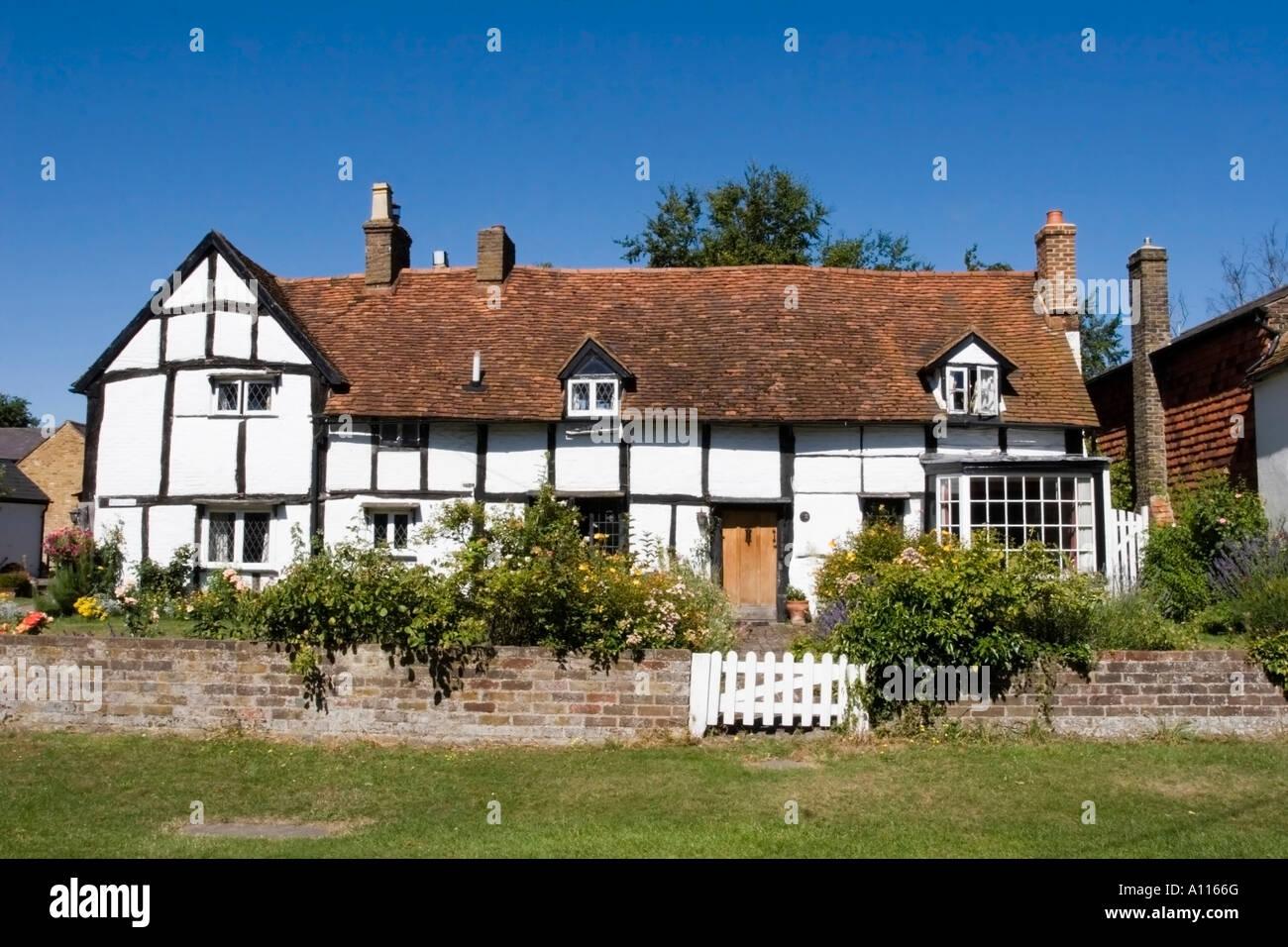 Tudor Cottage Aldbury Hertfordshire - Stock Image