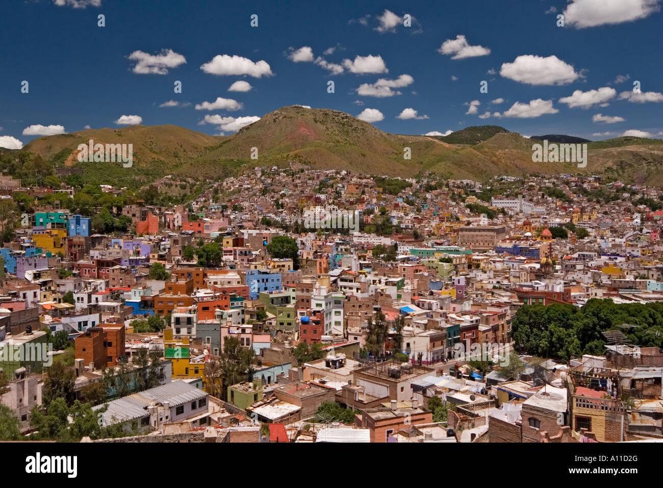 8c4eb276e925 Guanajuato overview (Mexico). Vue d ensemble de la ville de Stock ...