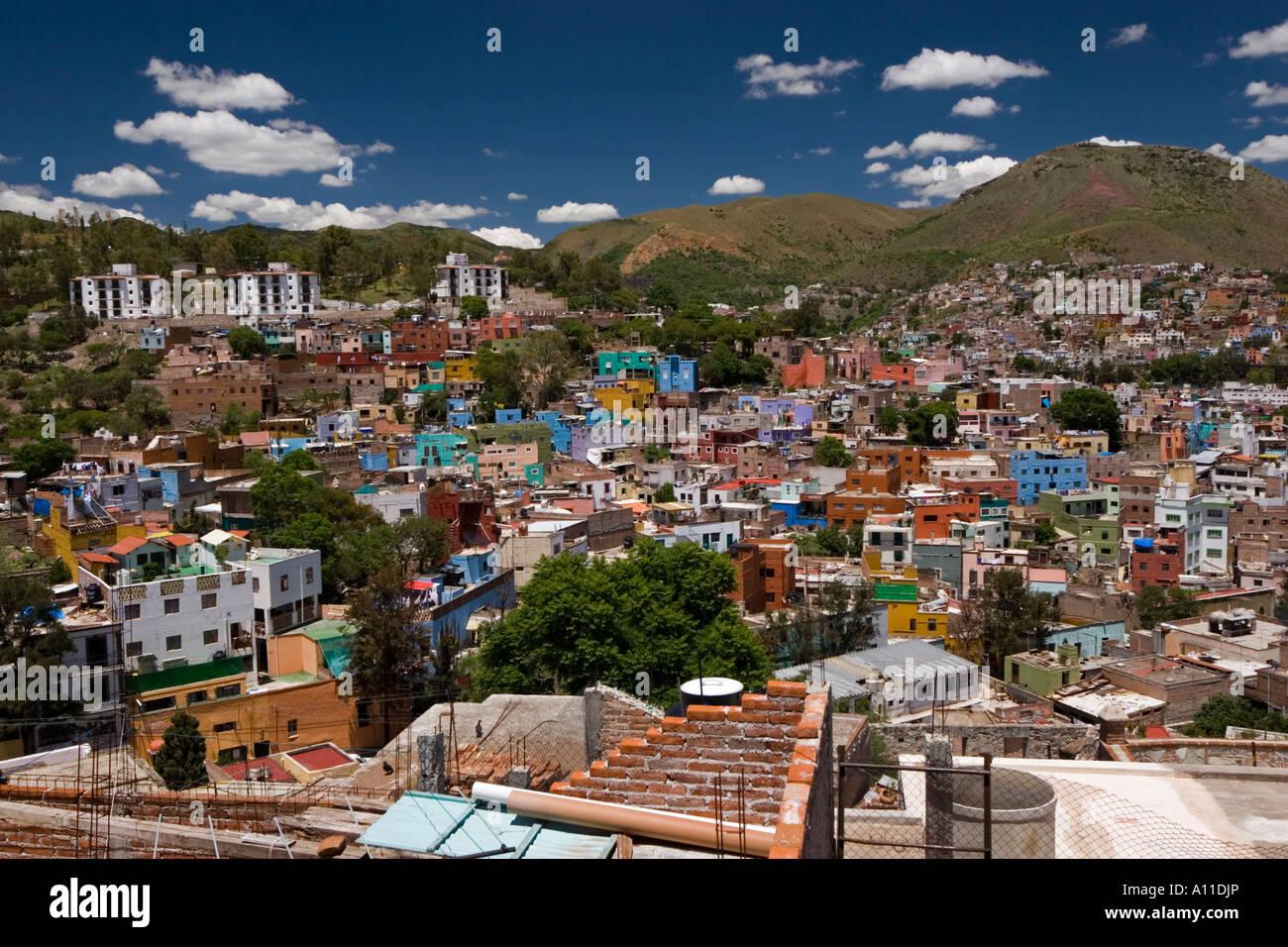 f6ce8d35c27d Overview of Guanajuato (Mexico). Vue d ensemble de la ville de Stock ...