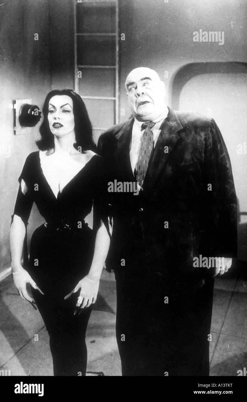Plan 9 from Outer Space Year 1958 Director Edward D Wood Jr Wampira Tor Johnson - Stock Image