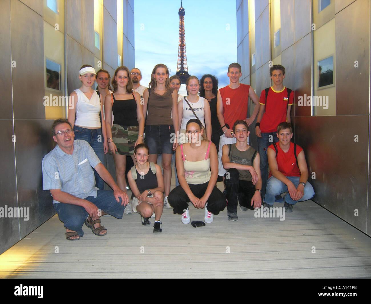 snapshot of school group at Monument de la Paix with Eiffel Tower Paris France - Stock Image