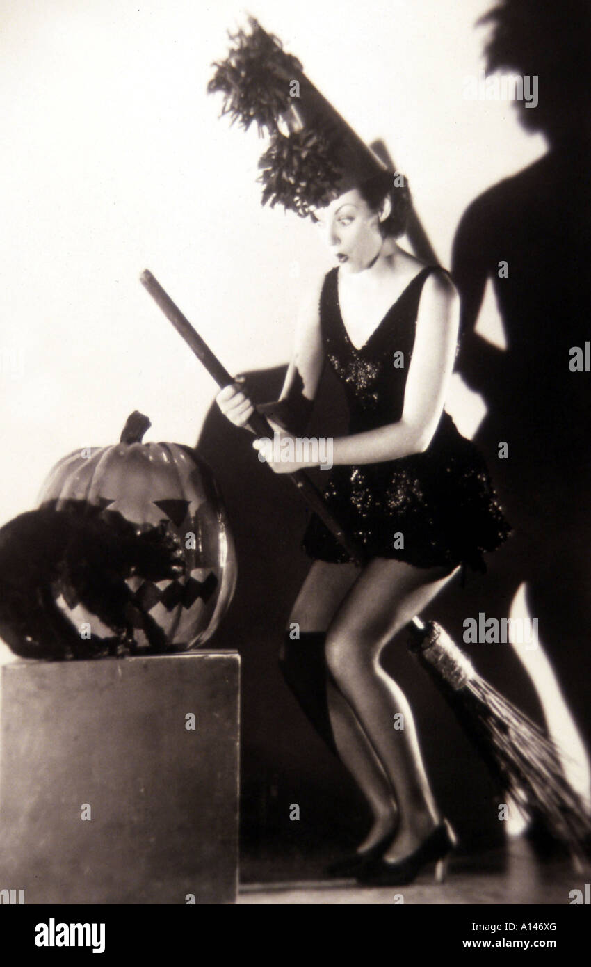 Karen Pittman,Hazel Ann Mendoza (b. 1988) Sex clip Lily Collins (born 1989 (naturalized American citizen),Susan Oliver born February 13, 1932 (age 86)