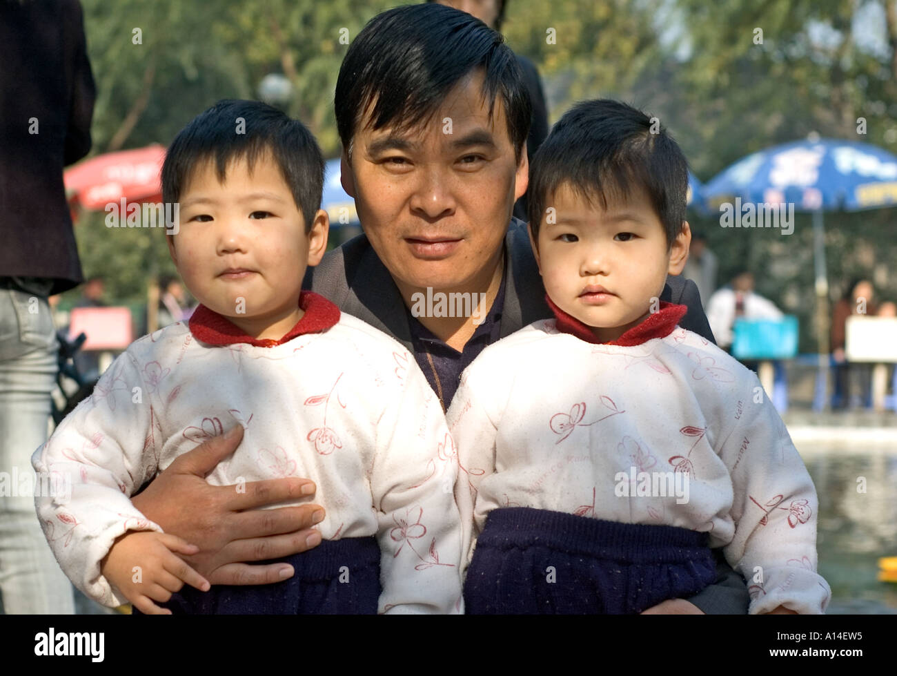 Chinese Twins Stock Photos Chinese Twins Stock Images Alamy