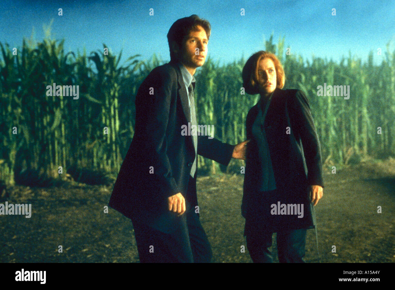 The X Files The Movie Year 1998 Director Rob Bowman Gillian Anderson David Duchovny - Stock Image