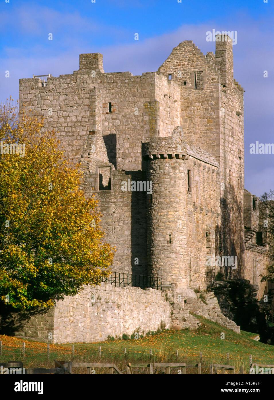 dh Scottish castles ruins CRAIGMILLAR CASTLE LOTHIAN SCOTLAND 14th century tower house autumn edinburgh Stock Photo