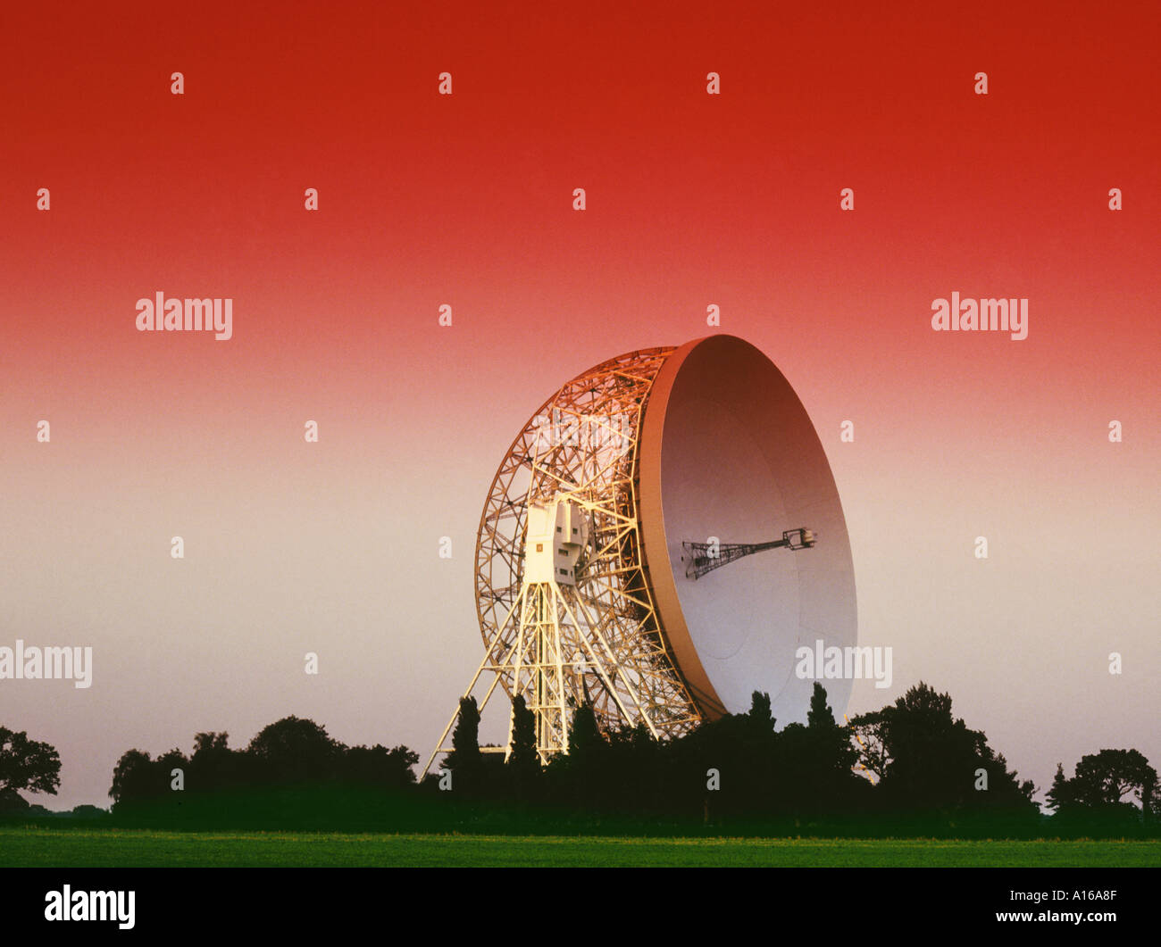 Astronomy - Jodrel Bank radio telescope - England - Stock Image