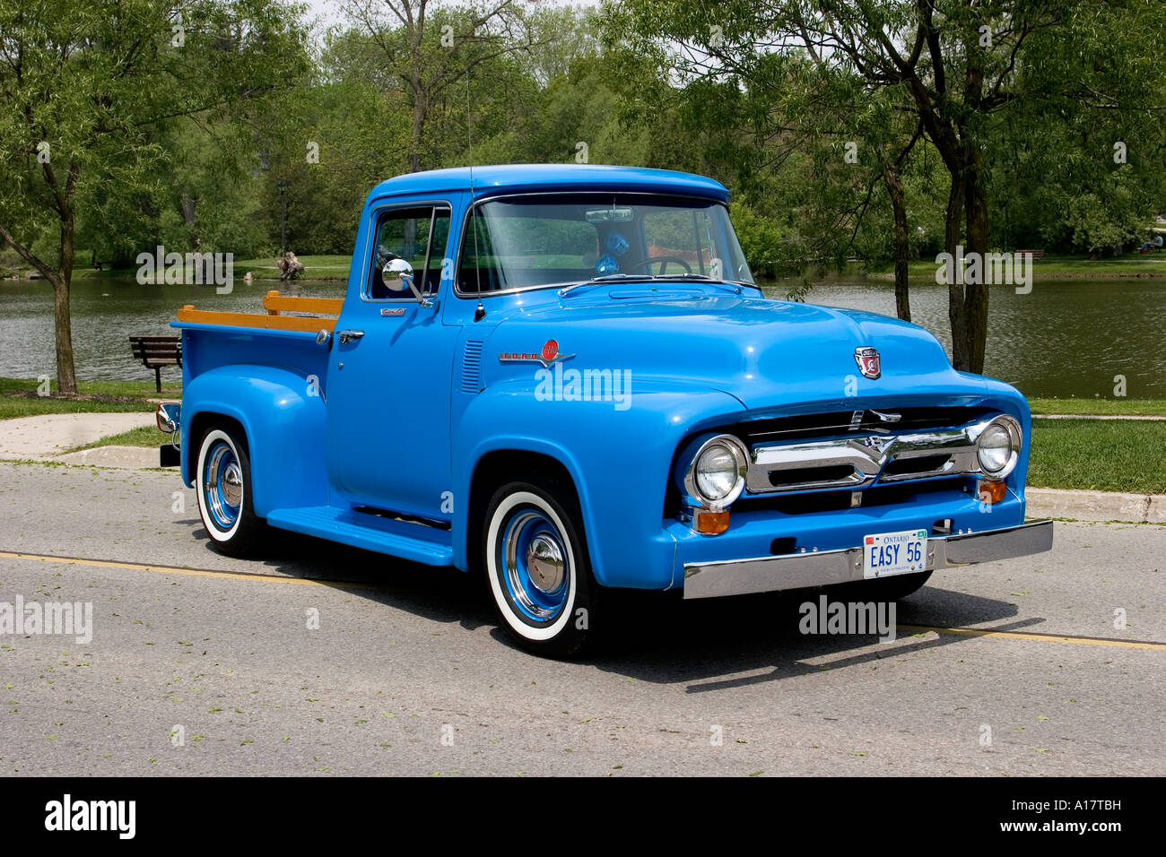 Ford F100 Pickup Truck Stock Photos 1955 Long Bed Pick Up 1956 Custom Cab On Pavement Image
