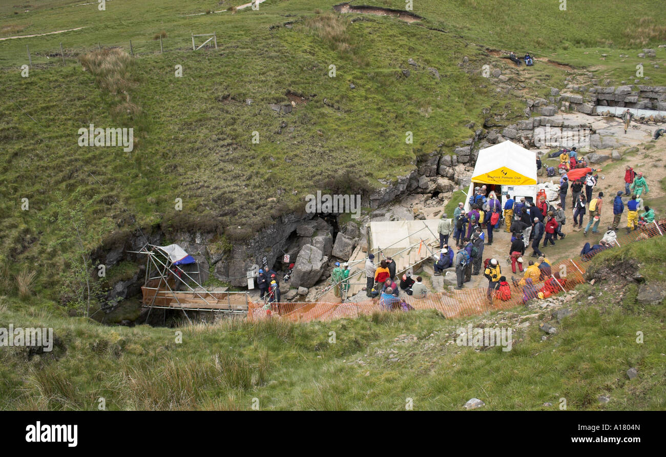 photo showing the winch and platform above the shaft of gaping gill cave and pot hole in the yorkshire dales - Stock Image