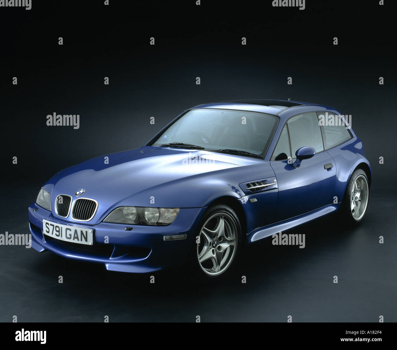 Bmw Z3coupe: Z3 Stock Photos & Z3 Stock Images