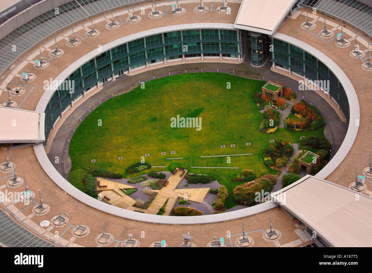THE GOVERNMENT COMMUNICATIONS HEADQUARTERS GCHQ IN CHELTENHAM  GLOUCESTERSHIRE UK - Stock Image 489e7b1a46