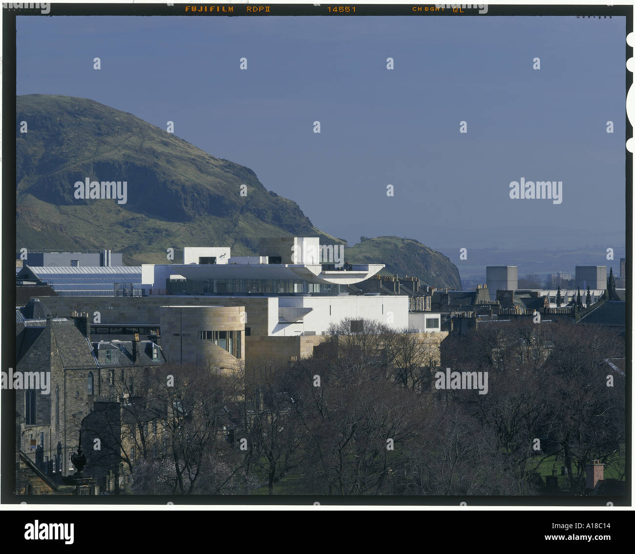 Museum of Scotland, Edinburgh - townscape, view from the castle. Architect: Benson Forsyth - Stock Image