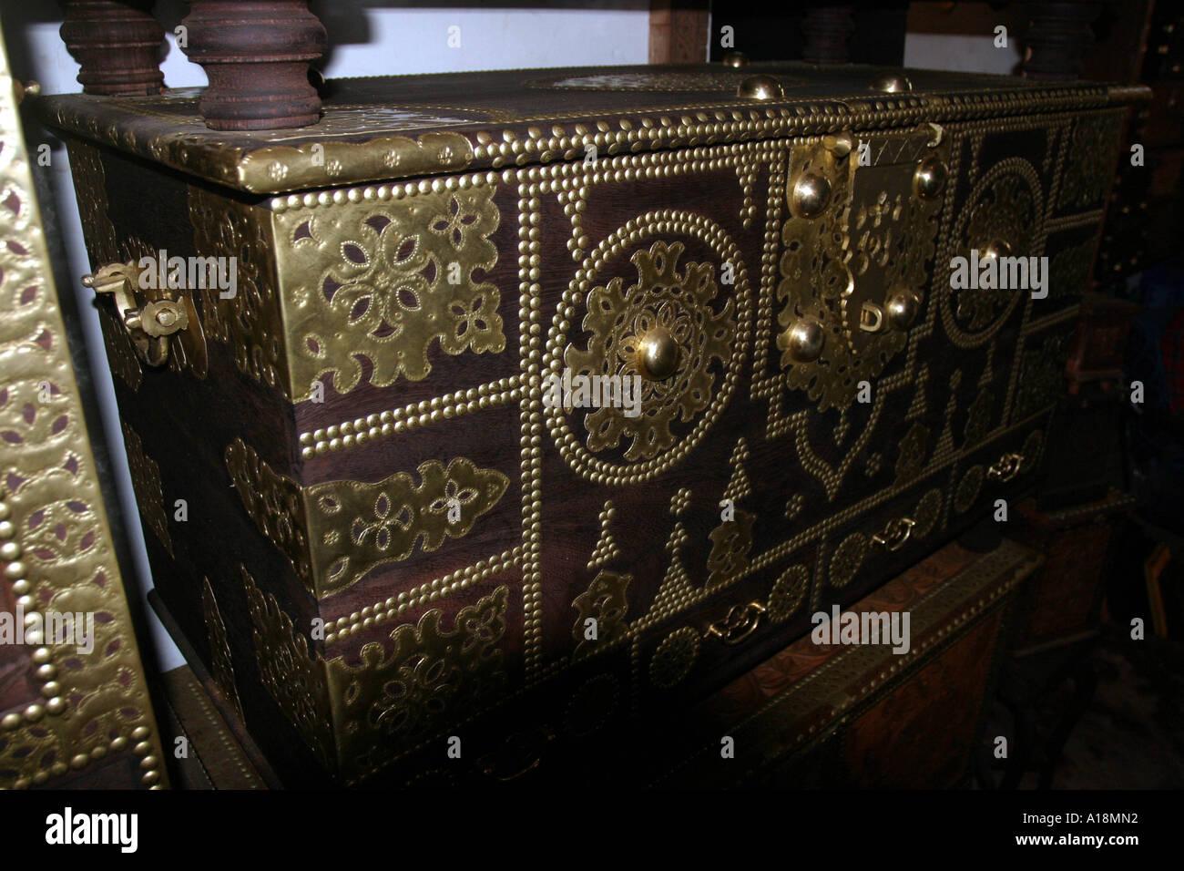 ZANZIBAR - metal bound chest in Stone Town - Stock Image