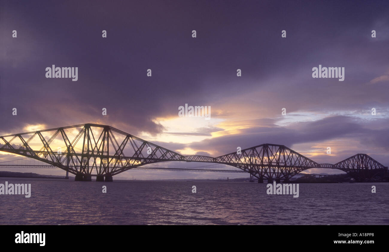 Evening by the Forth Rail Bridge spanning the Firth of Forth Scotland.   GPL 2828-201 - Stock Image