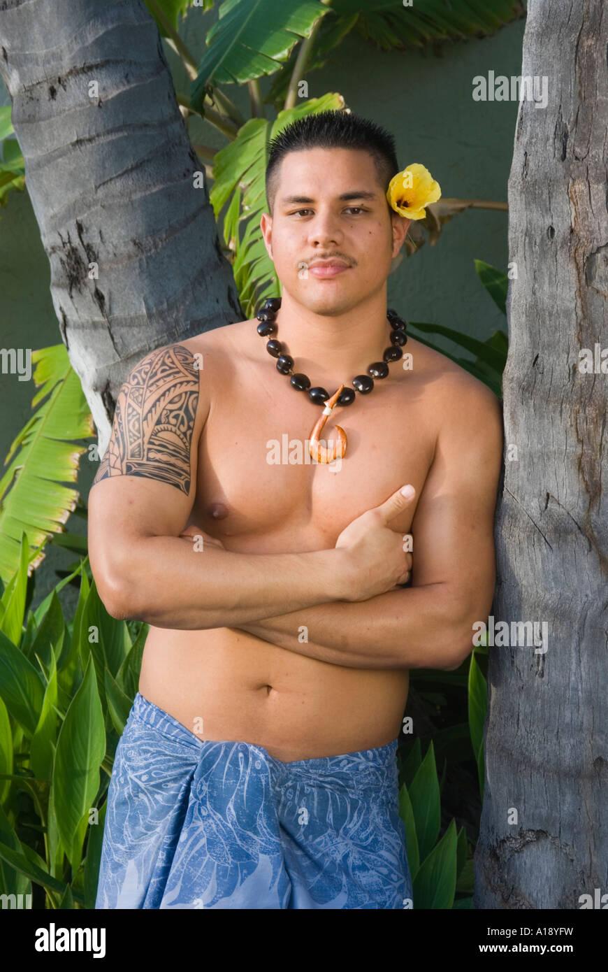 dating en Hawaiian mann Santiago Douglas dating
