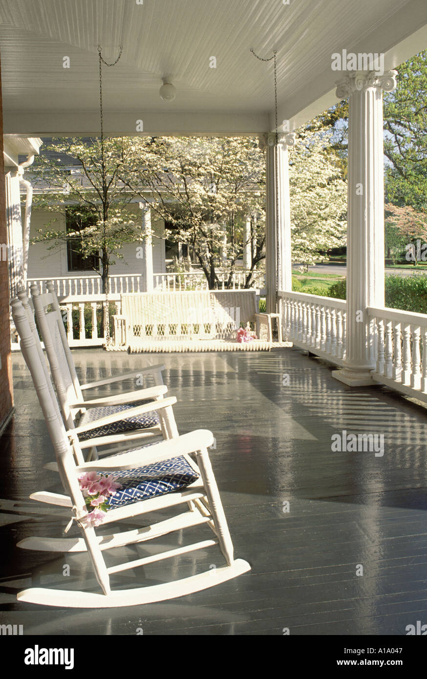 Fantastic Relax Traditional Southern Style Front Porch With Rocking Gmtry Best Dining Table And Chair Ideas Images Gmtryco