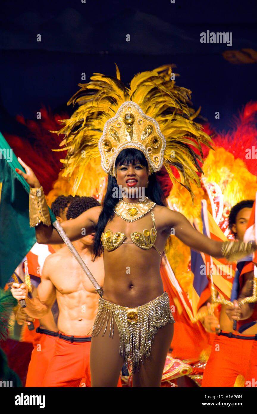 Samba Dancers Stock Photos & Samba Dancers Stock Images - Alamy