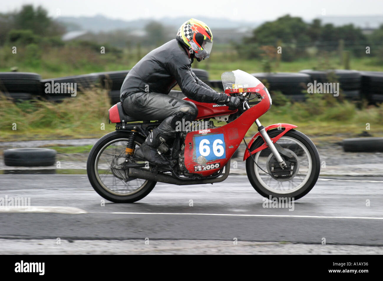 Classic Racer Stock Photos Images Alamy Circuit Map For Bromyard Speed Festival Bike Rider At A Wet Aghadowey Motorsport County Antrim Northern Ireland