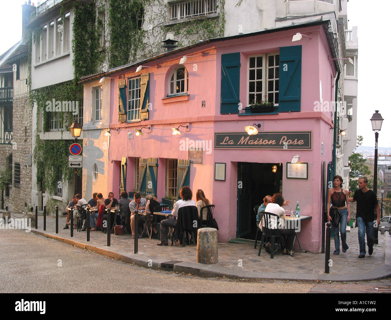 street view of la maison rose parisian restaurant montmartre paris stock photo 5835089 alamy. Black Bedroom Furniture Sets. Home Design Ideas