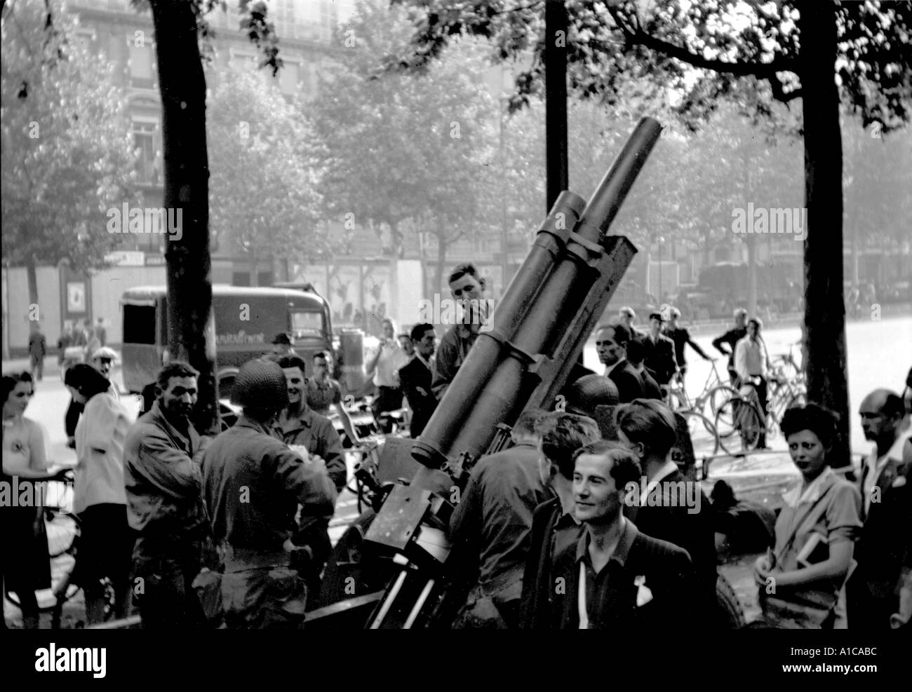 WW II Paris American artillery assigned to Free French parked liberation of Paris - Stock Image