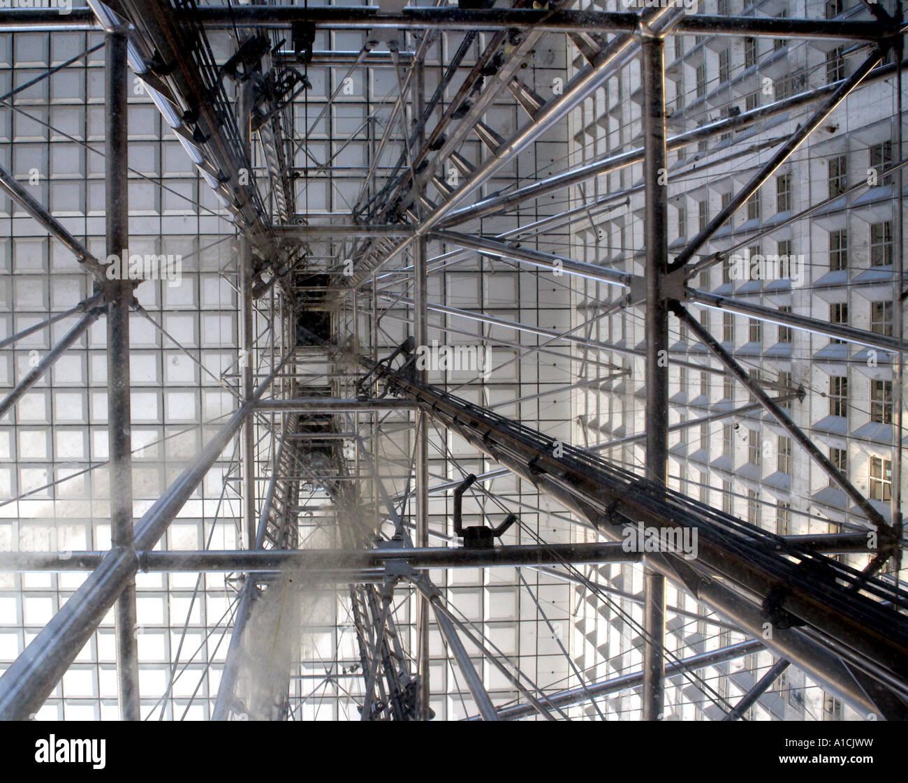 Grande Arche lift in La Defense, Paris - Stock Image