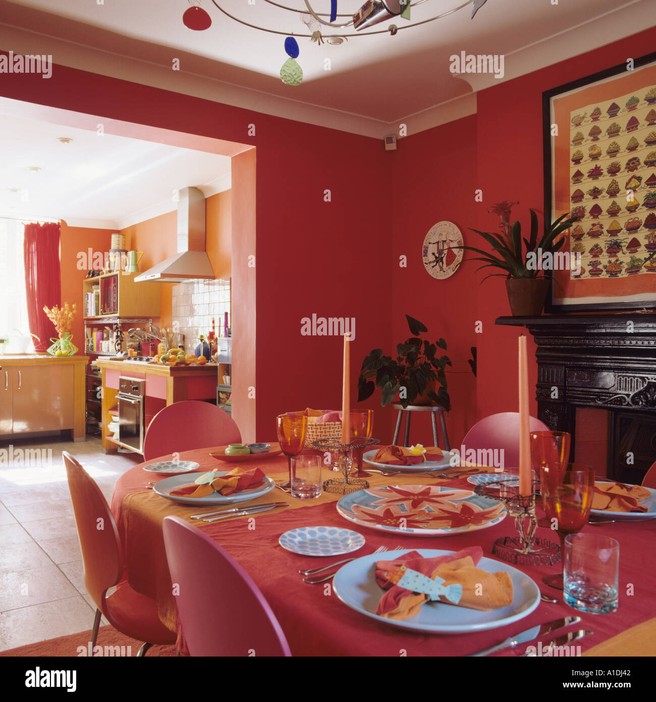 Bright open-plan dining room and kitchen - Stock Image