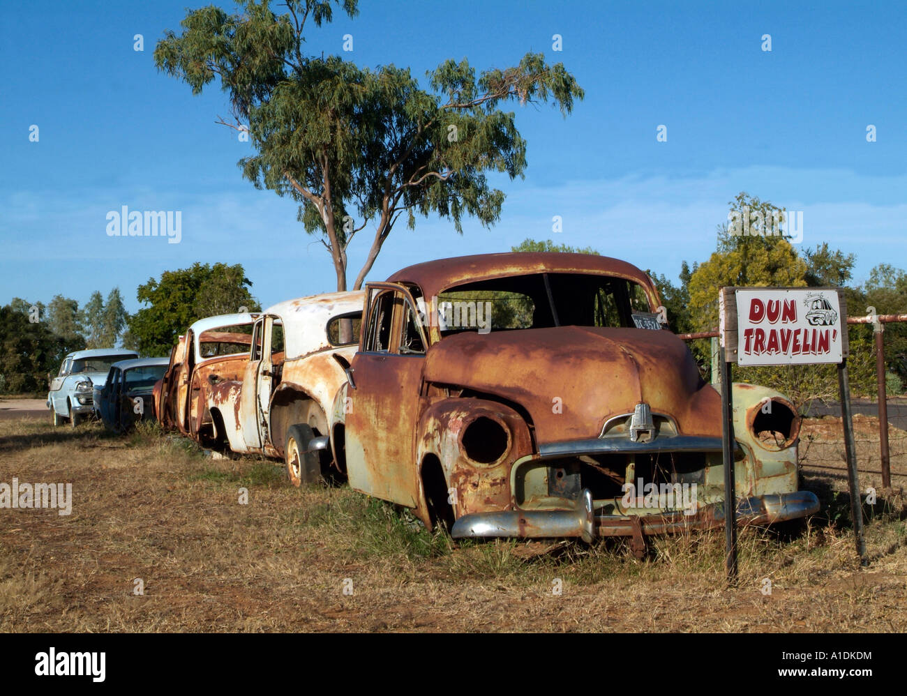 0ld car, rusted and abandoned, Winton, outback Queensland Australia. photo by Bruce Miller - Stock Image