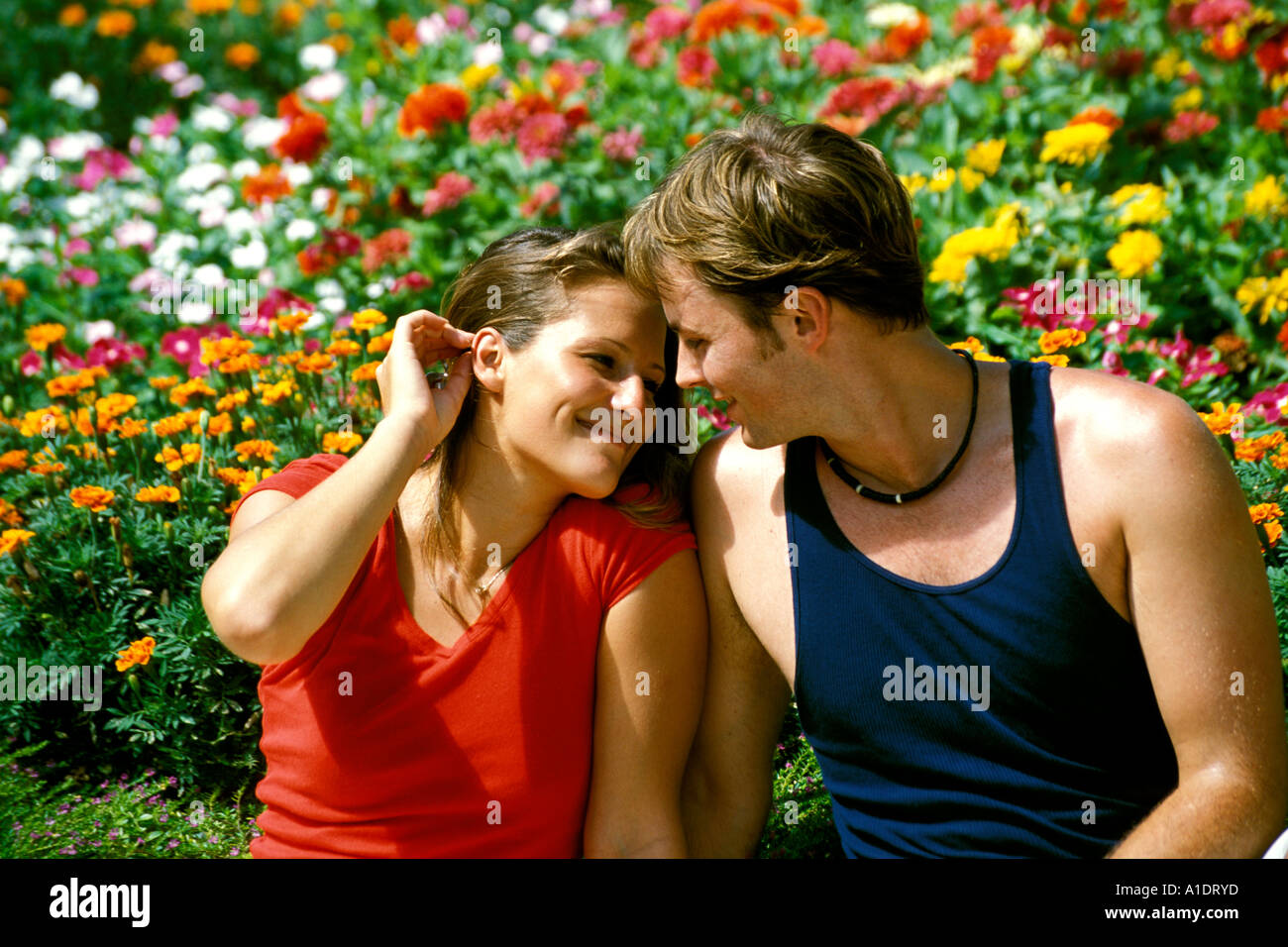 Bermuda St George Couple in Somers Garden - Stock Image