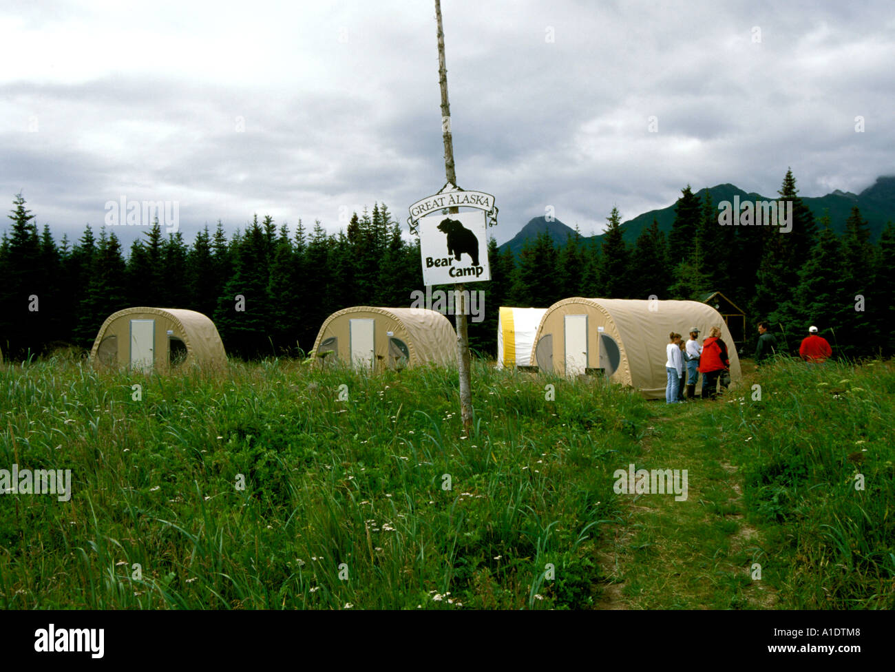 Alaska Lake Clark National Park and Preserve Bear Camp for grizzly bear viewing - Stock Image
