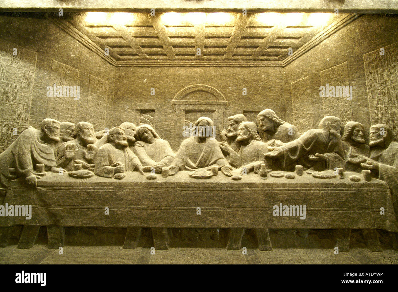 Kopalnia solna Wieliczka salt mine, Last Supper sculptures in St ...