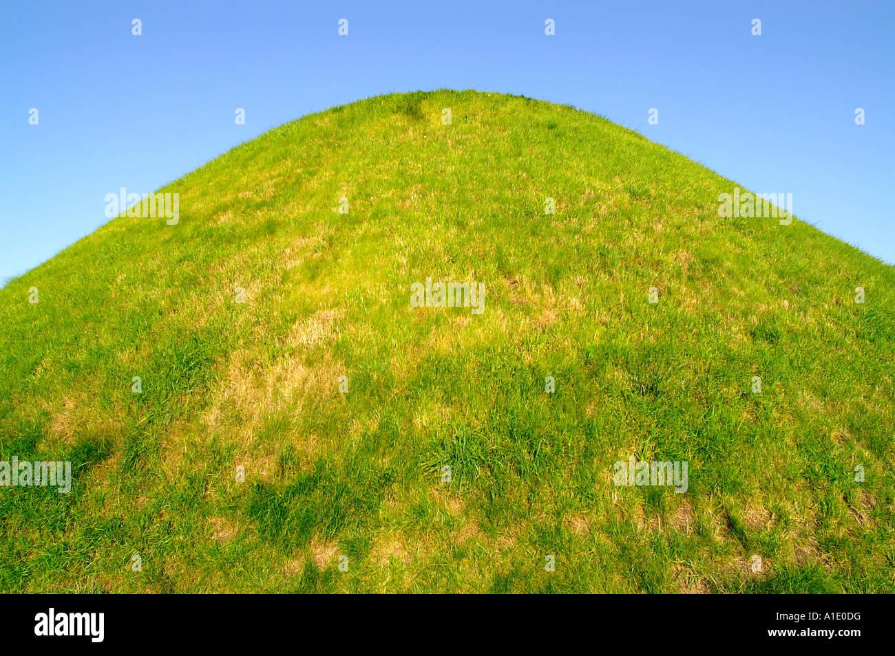 kopiec kosciuszka kosciuszko mound hill green grass lawn hummock