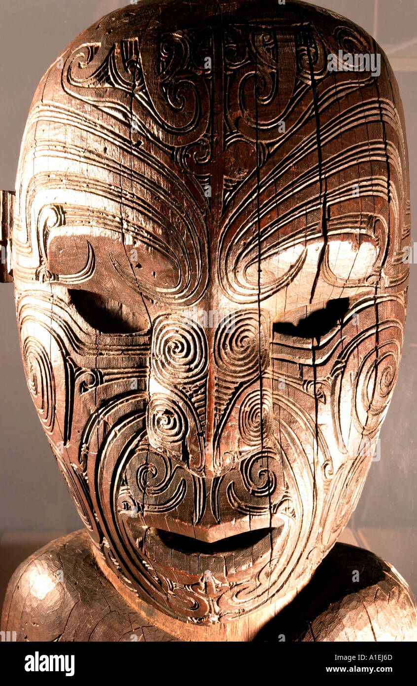 Early 20th Century Carved Maori Figure part of Brighton Museum and Art Gallery anthropology collection - Stock Image