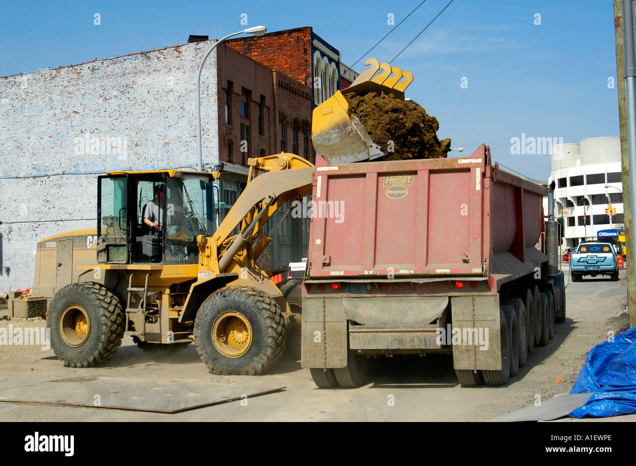 heavy equipment and manual labor us used in road repair and new rh alamy com heavy equipment manuals online heavy equipment manuals for grove rt58