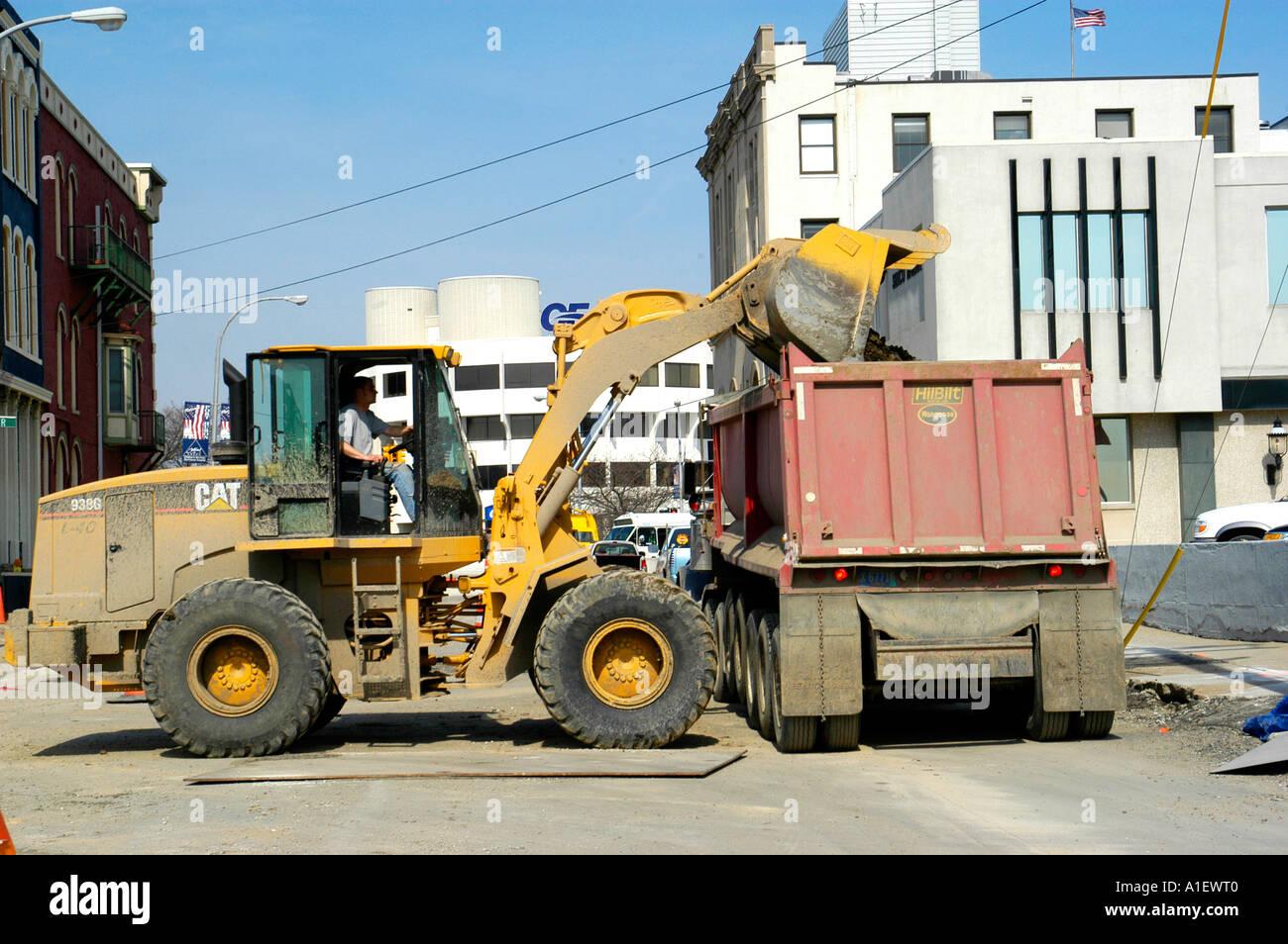 ... excavator use inspection testing u0026 maintenance Array - heavy  equipment manual labor us stock photos u0026 heavy equipment rh alamy com