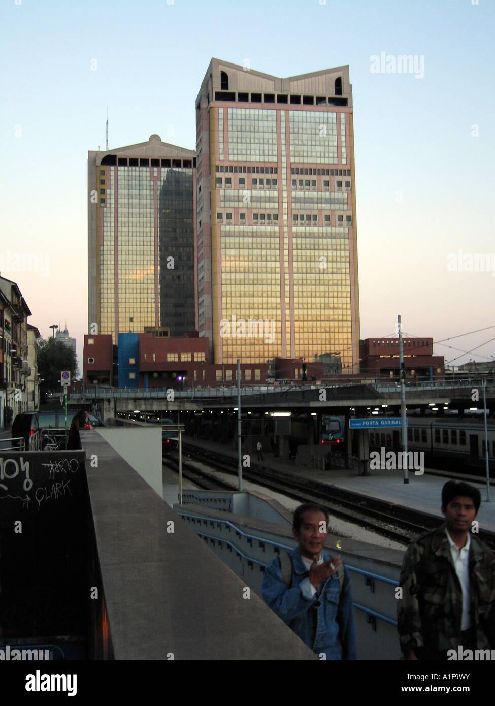 Passante stock photos passante stock images alamy - Passante ferroviario porta garibaldi ...