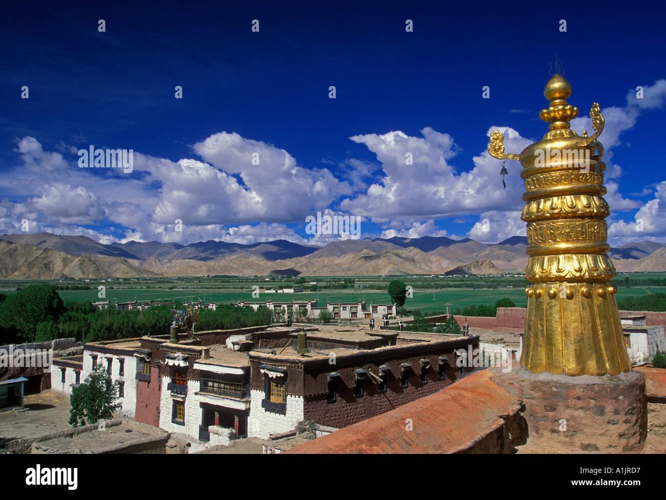 brass bell tower, Pelkor Chode Monastery, Buddhism, Buddhist monastery, Buddhist temple, temple, town of Gyantse, Tibet Autonomous Region, China, Asia - Stock Image