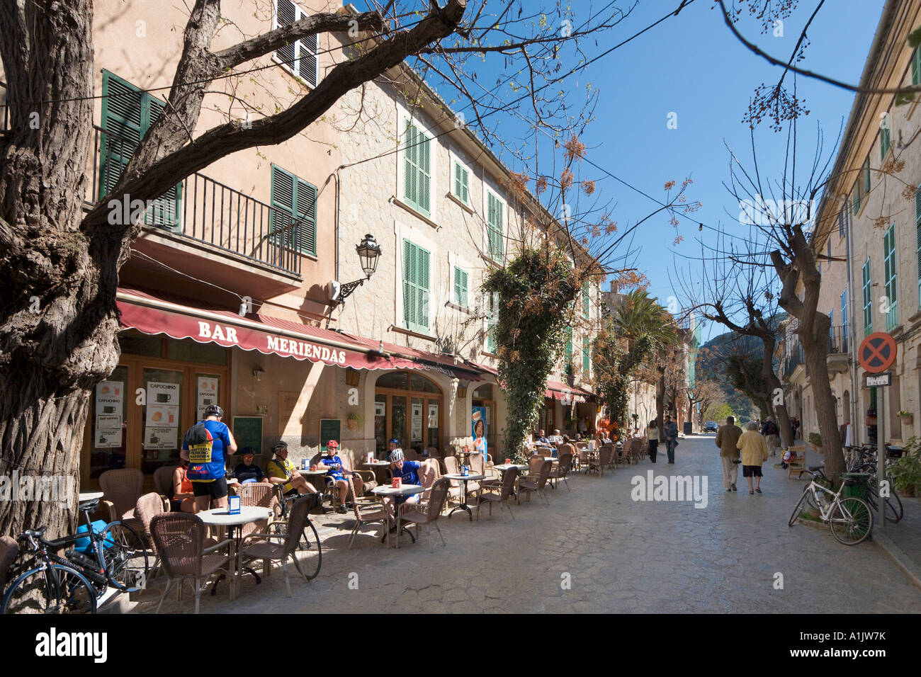 Cafes and Shops in the town centre, Valldemossa, Mallorca, Balearic Islands, Spain - Stock Image