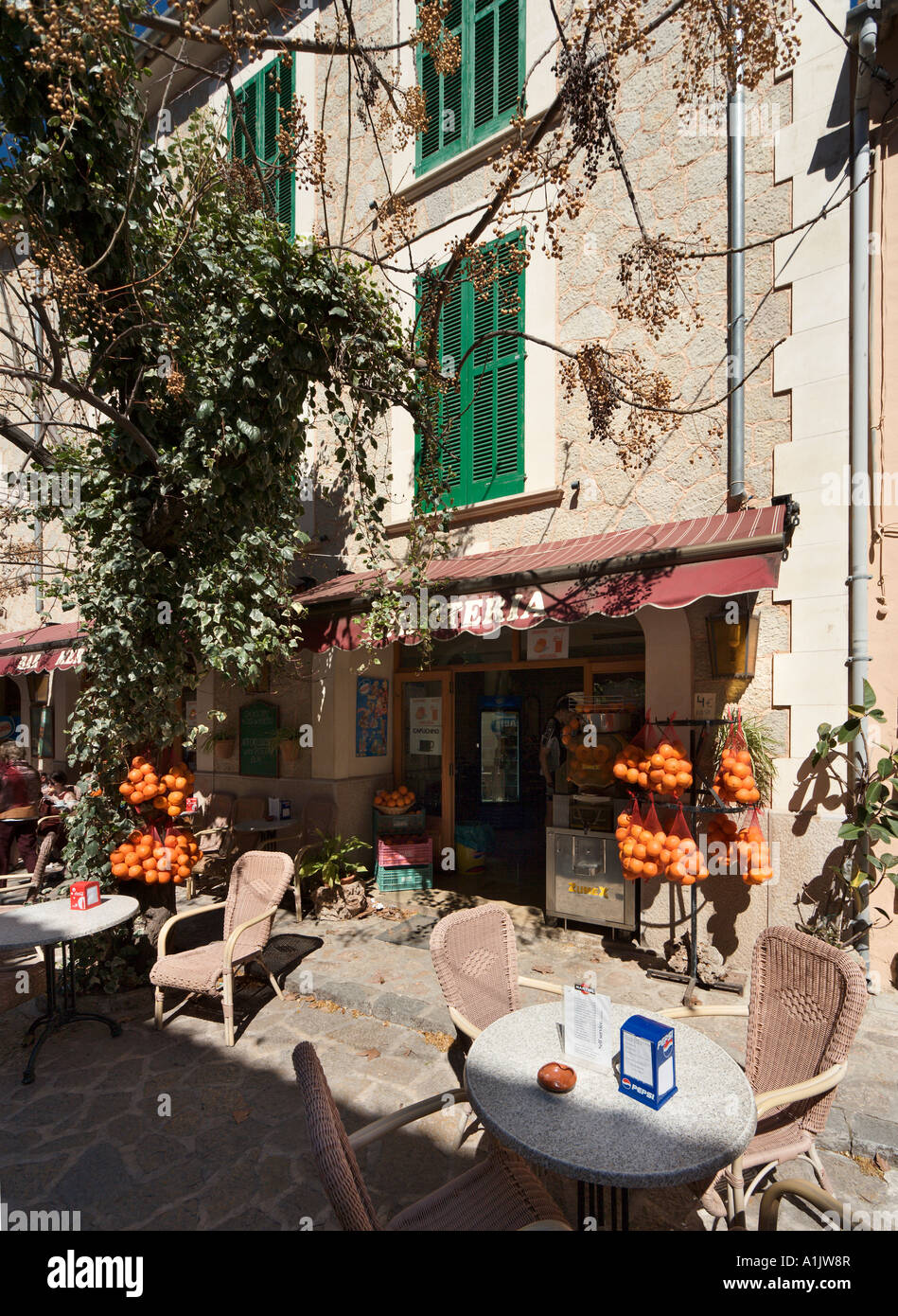 Cafe and shop in the town centre, Valldemossa, Mallorca, Balearic Islands, Spain - Stock Image