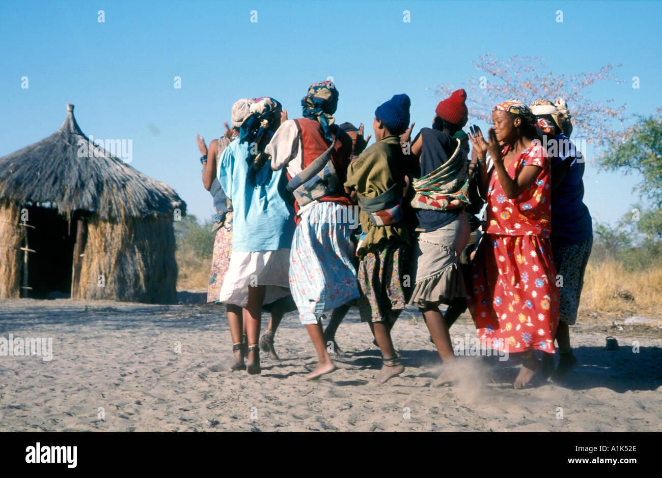 Deniui village near Tsumkwe in Kalahari Desert East Namibia one of most heavily studied peoples San bushmen have Stock Photo