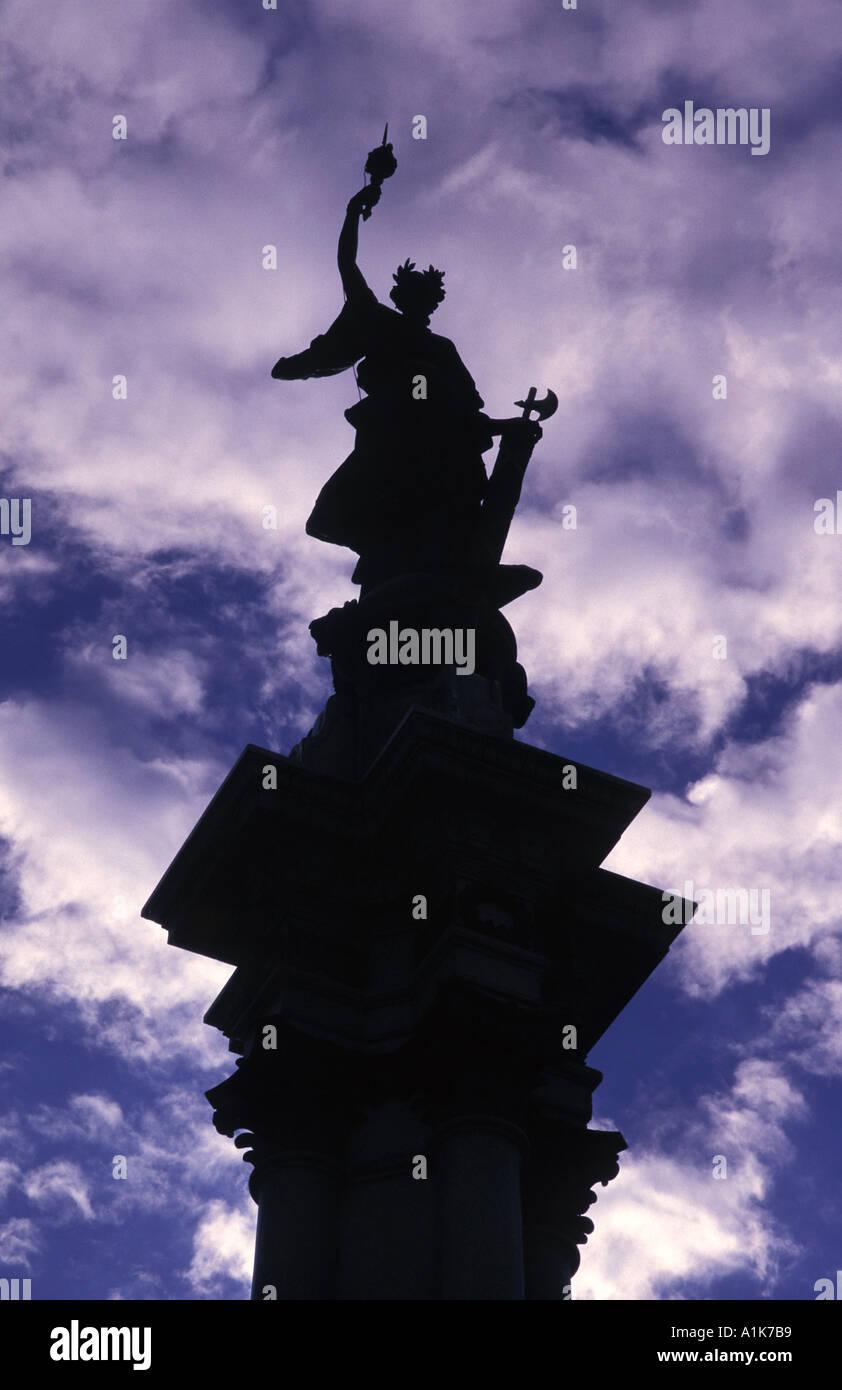 Statue in the Plaza de Independencia Quito Ecuador - Stock Image