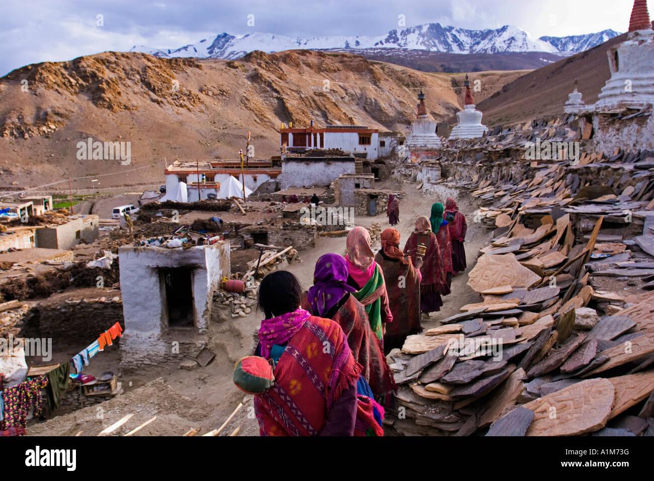Pilgrims near the Stupa of Lake Tso Moriri, Ladakh, India - Stock Image