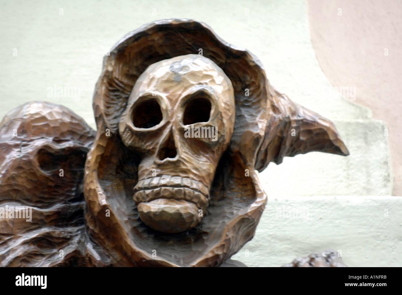 Artstation wood skull carving simon fisher