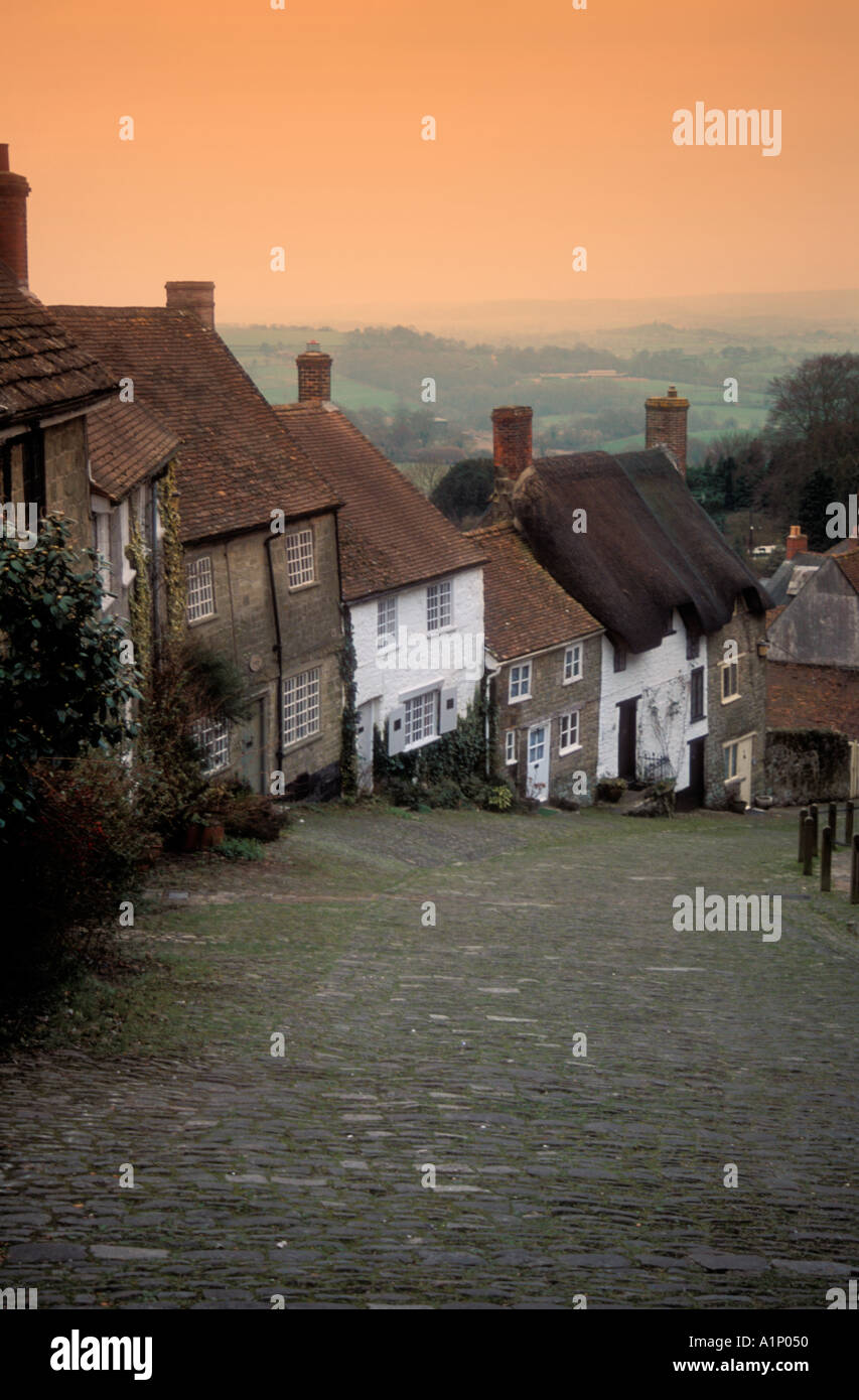 Gold Hill Shaftesbury as made famous by the classic Hovis advert - Stock Image