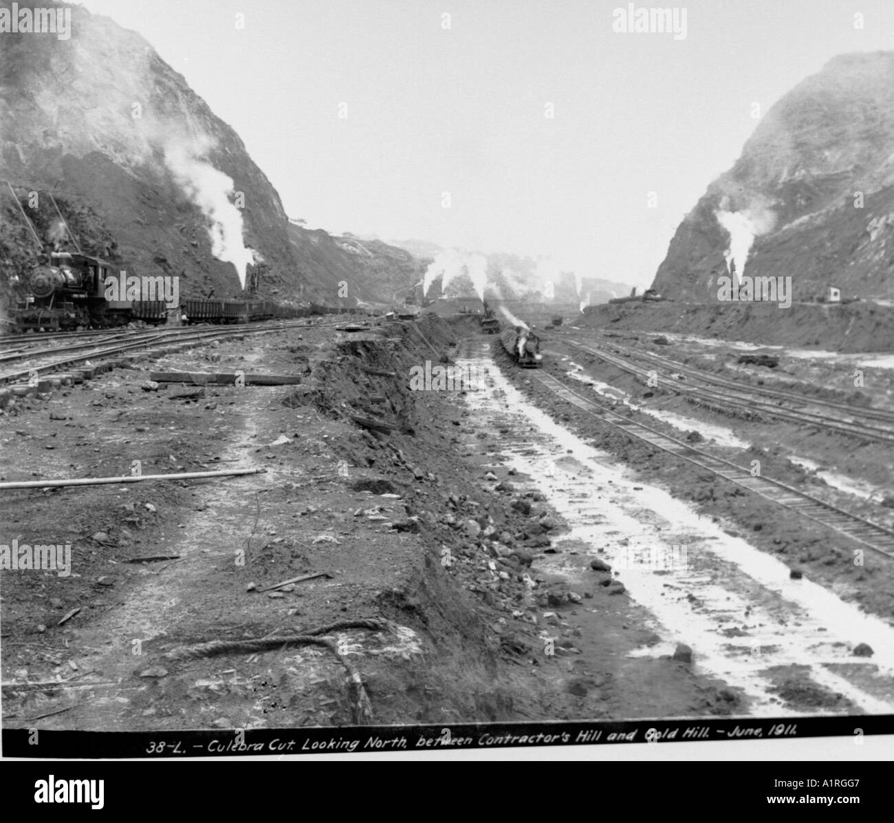 Culebra Cut Looking North Between Contractor s Hill and Gold Hill June 1911 - Stock Image