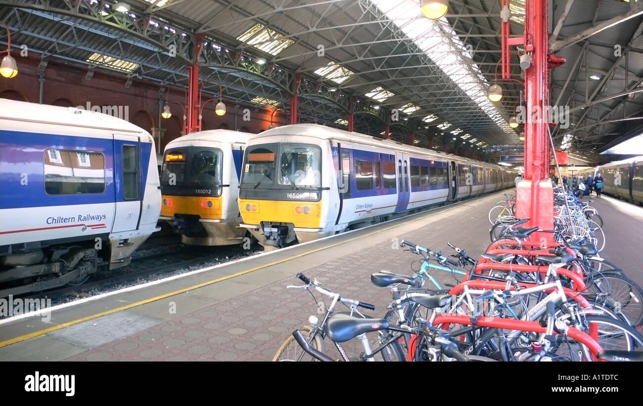 chilten railways trains at marylebone station stock photo 5901899