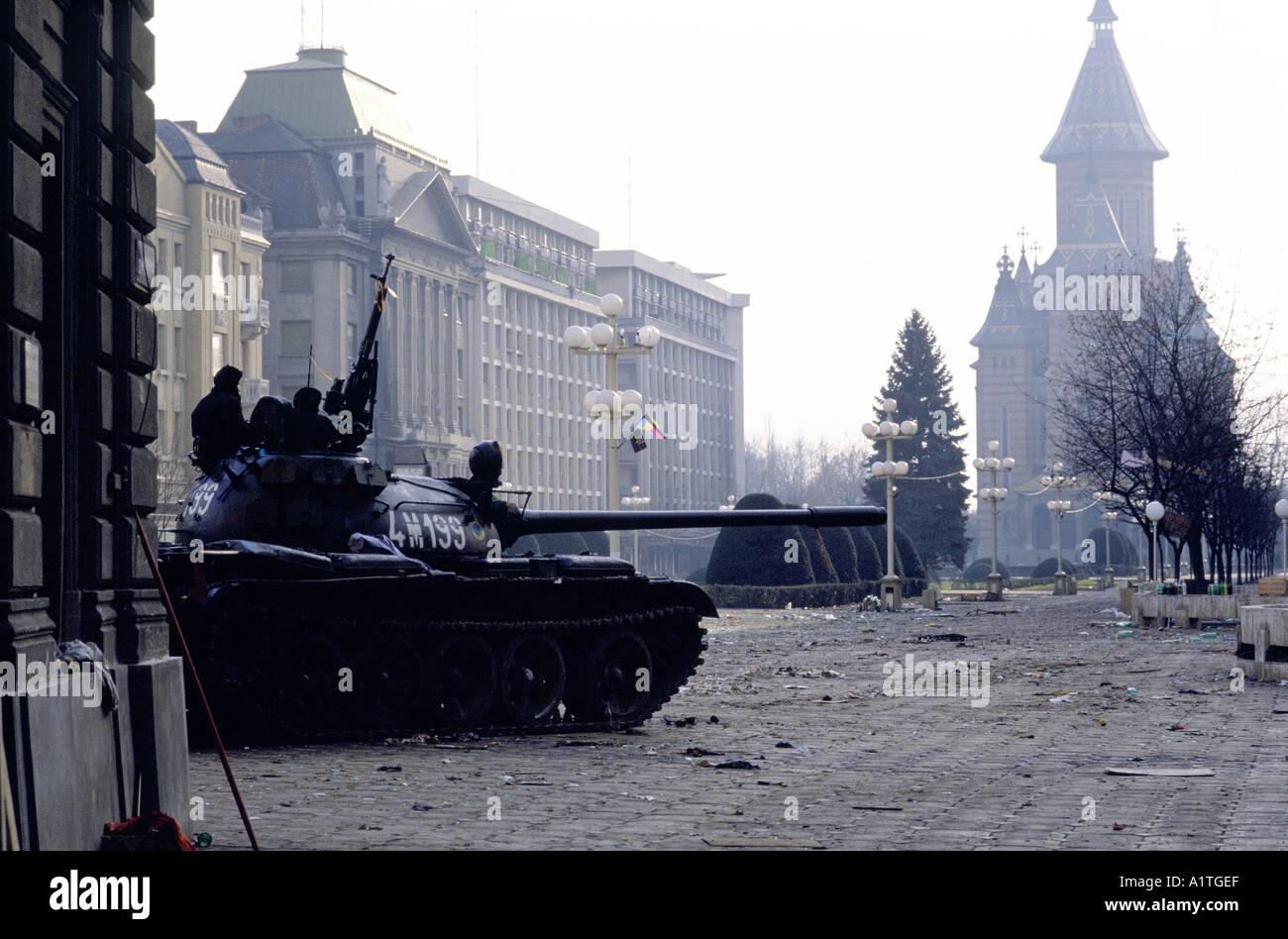 ROMANIAN REVOLUTION 23 12 1989 TANK IN OPERA SQUARE TIMISOARA - Stock Image