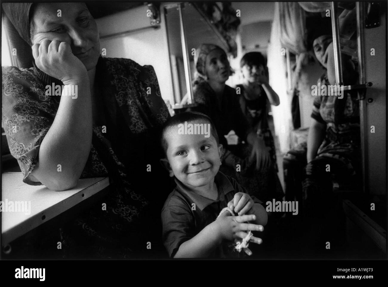 INGUSHETIA NASRAN 2000 LEILA A CHECHEN REFUGEE LIVING ON A TRAIN WITH HER CHILDREN AND 5000 OTHERS - Stock Image