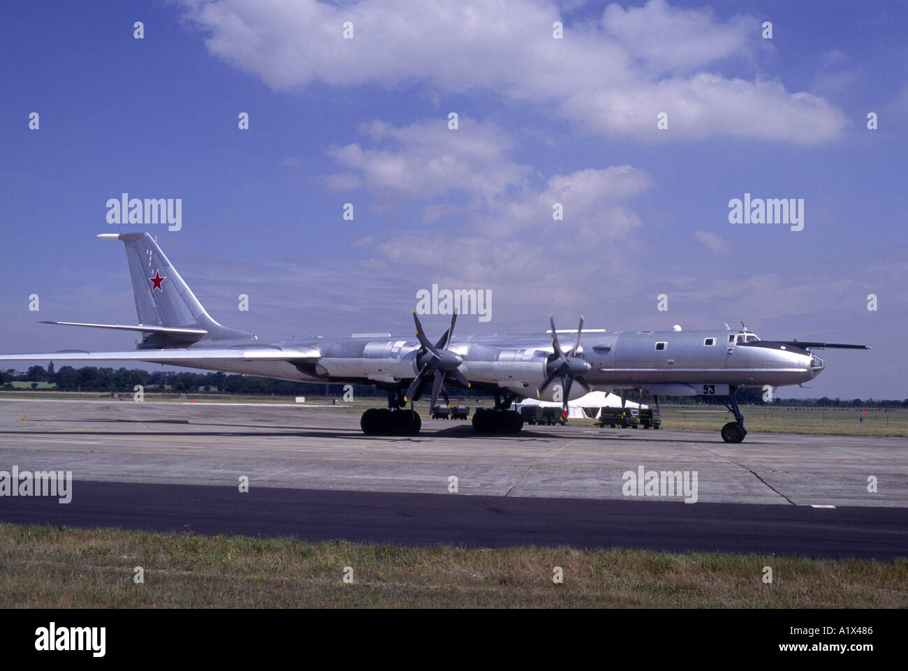 Russian Туполев Ту–95 Bear large four-engine turboprop-powered strategic bomber.   GAV 1069-3 - Stock Image