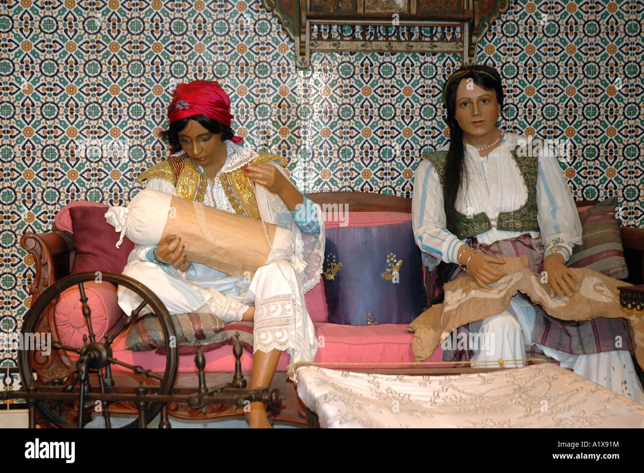 Tunisian ladies photos