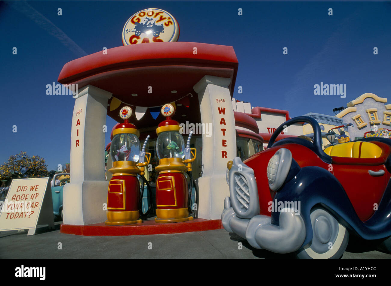 DISNEYLAND IN LOS ANGELES CALIFORNIA GOOFY'S GAS STATION TOONTOWN 1992 - Stock Image