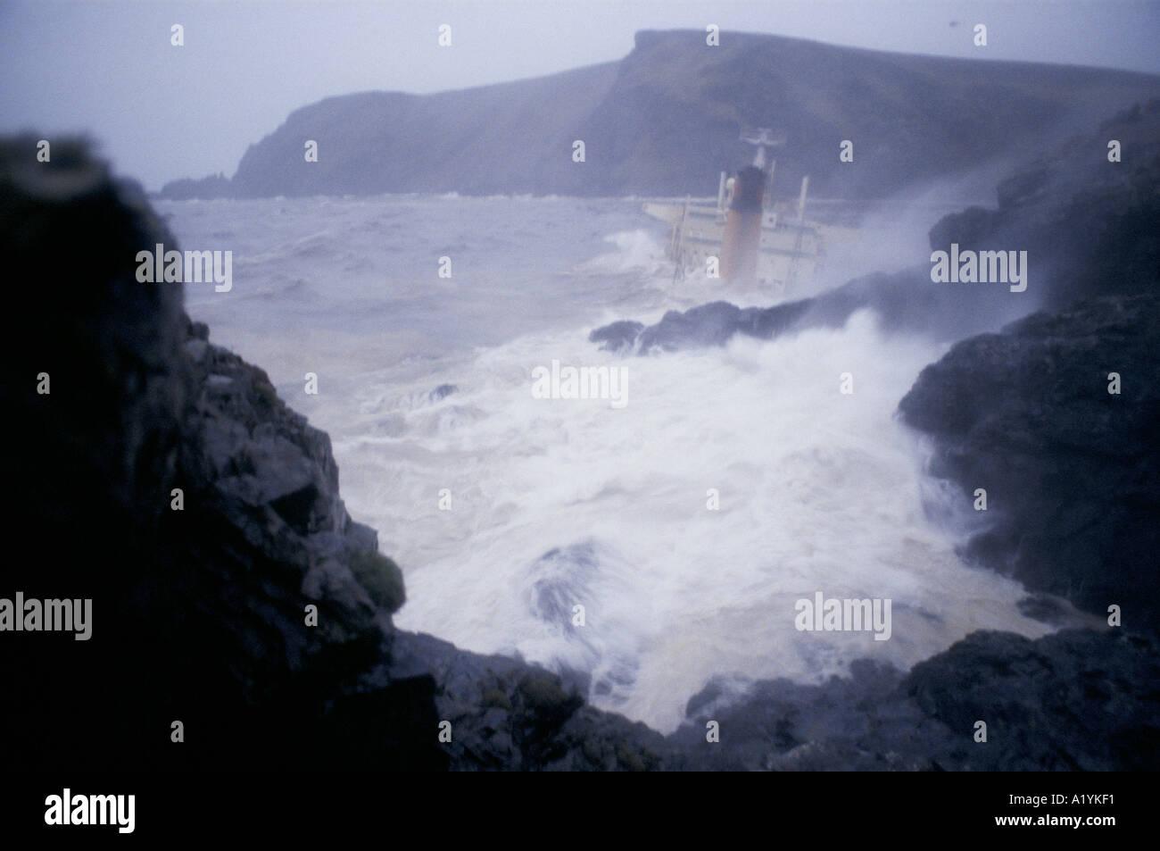 BRAER OIL TANKER DISASTER SHETLAND JANUARY 1993 Stock Photo